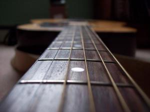 guitar-strings-wallpaper_size_600x450